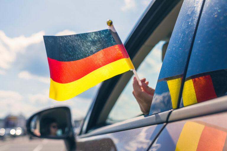 Cum să înregistrați o mașină din Germania